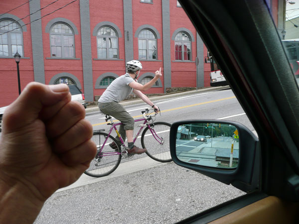 Jak reagovat na agresivní nebo naštvané řidiče