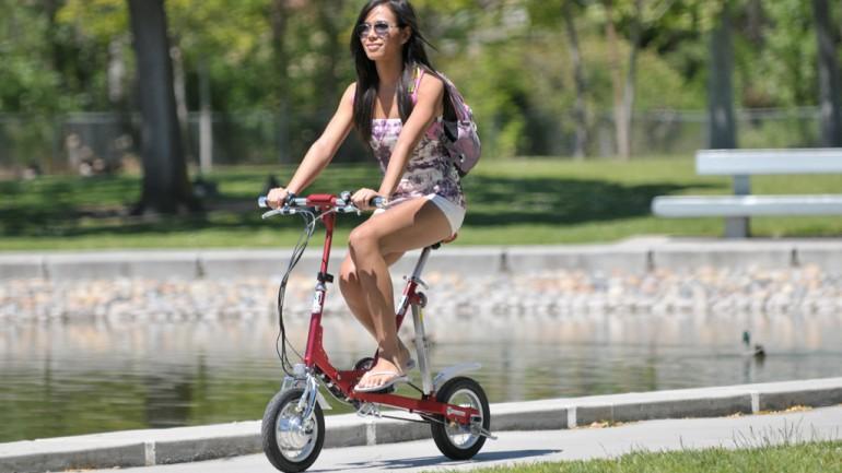 VeloMini: miniaturní skládací kolo na elektrický pohon