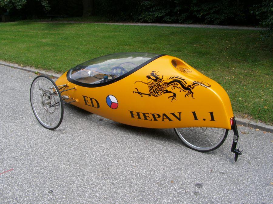 Obojživelný velomobil