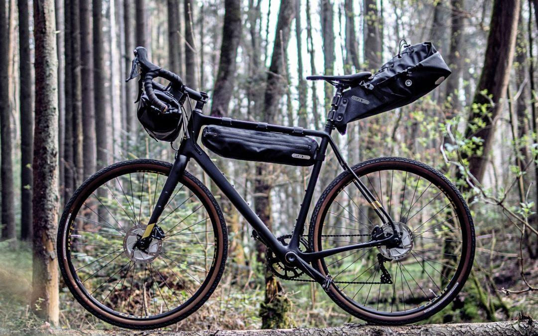 Limitka od ORTLIEBu: Bikepacking v černé