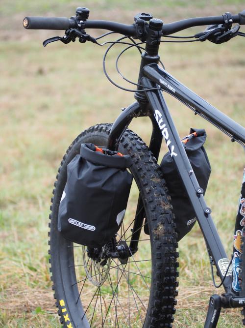 bikepackingová brašna na přední vidlici ORTLIEB Fork-Pack