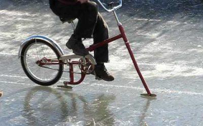 Na kole jako na bruslích