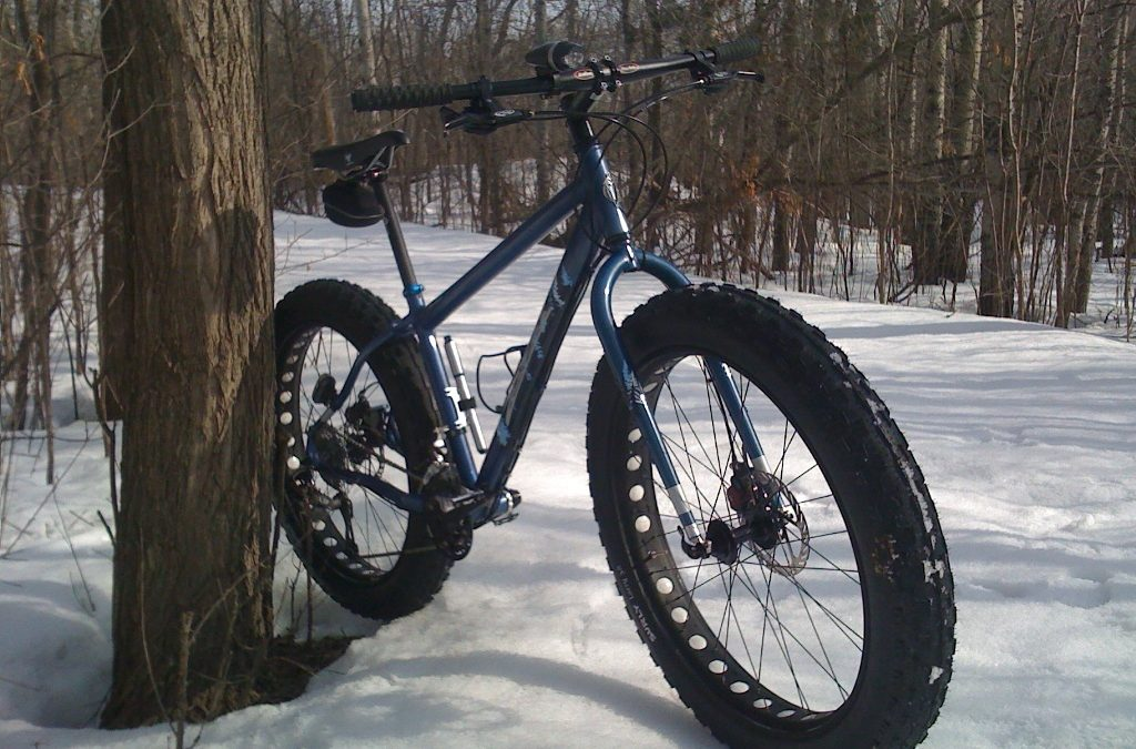 Zimou cyklistická sezona nekončí: už jste se seznámili s kolem na sníh?