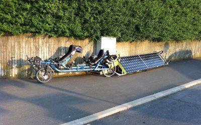 Přes 7 zemí Evropy s elektro lehokoly nabíjenými Sluncem