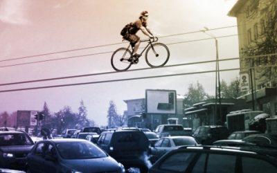 Kolelinia: na kole s hlavou v oblacích