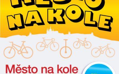 Testování lehokol, tříkolek, skládacích kol a elektrokol v Praze na nábřeží