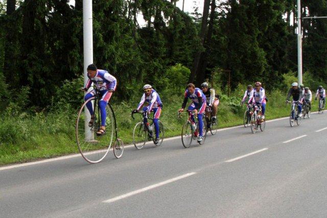 Na kole dětem – charitativní československá tour 2011